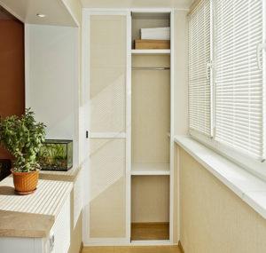 Легкий шкаф пенал на балкон