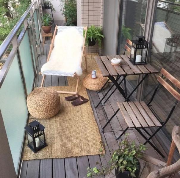 Вариант интерьера для открытого балкона