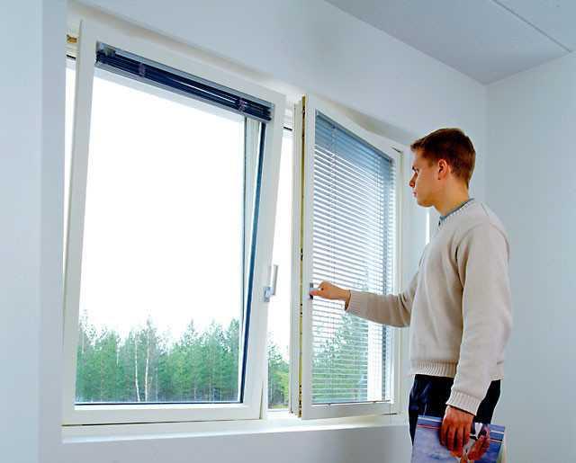 Металлопластиковые окна благодаря сочетанию металла и пвх, обладают повышенной сопротивляемостью неблагоприятным погодным условиям.