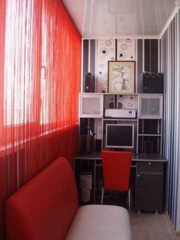 Рабочий кабинет — такое же жилое помещение, поэтому в нем должно быть тепло в течение всего года.