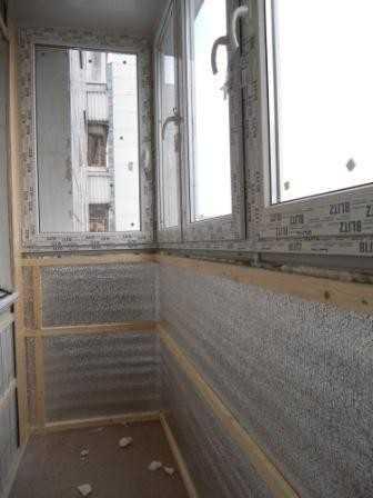 Остекление и утепление балкона.