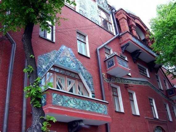 Оригинальный декор балкона