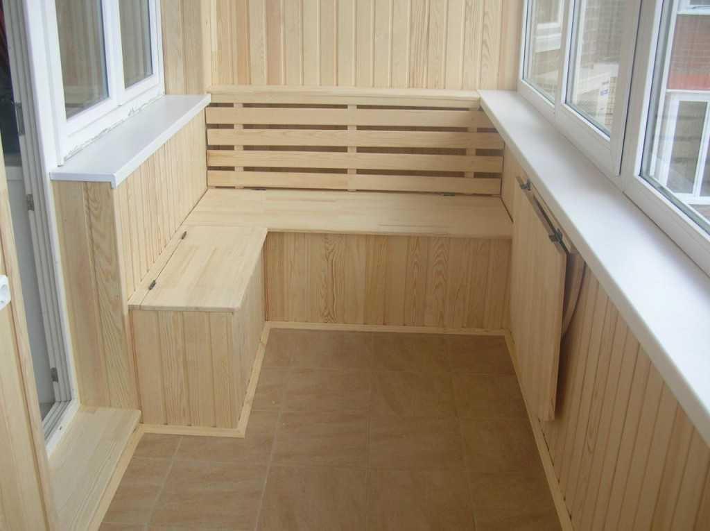 Отделка балкона вагонкой из дерева