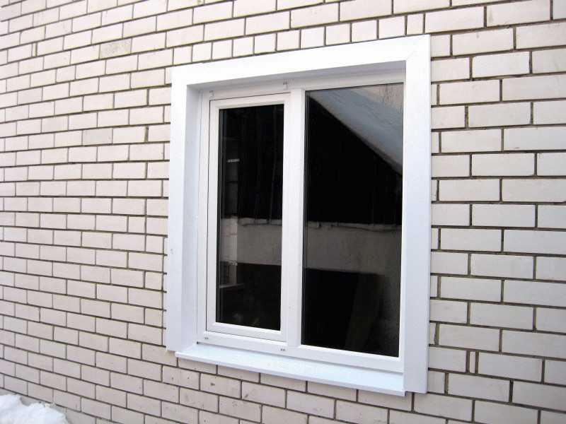 Окно с наружными откосами