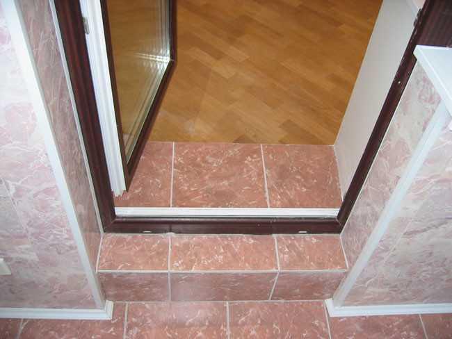 Порог для балконной двери.